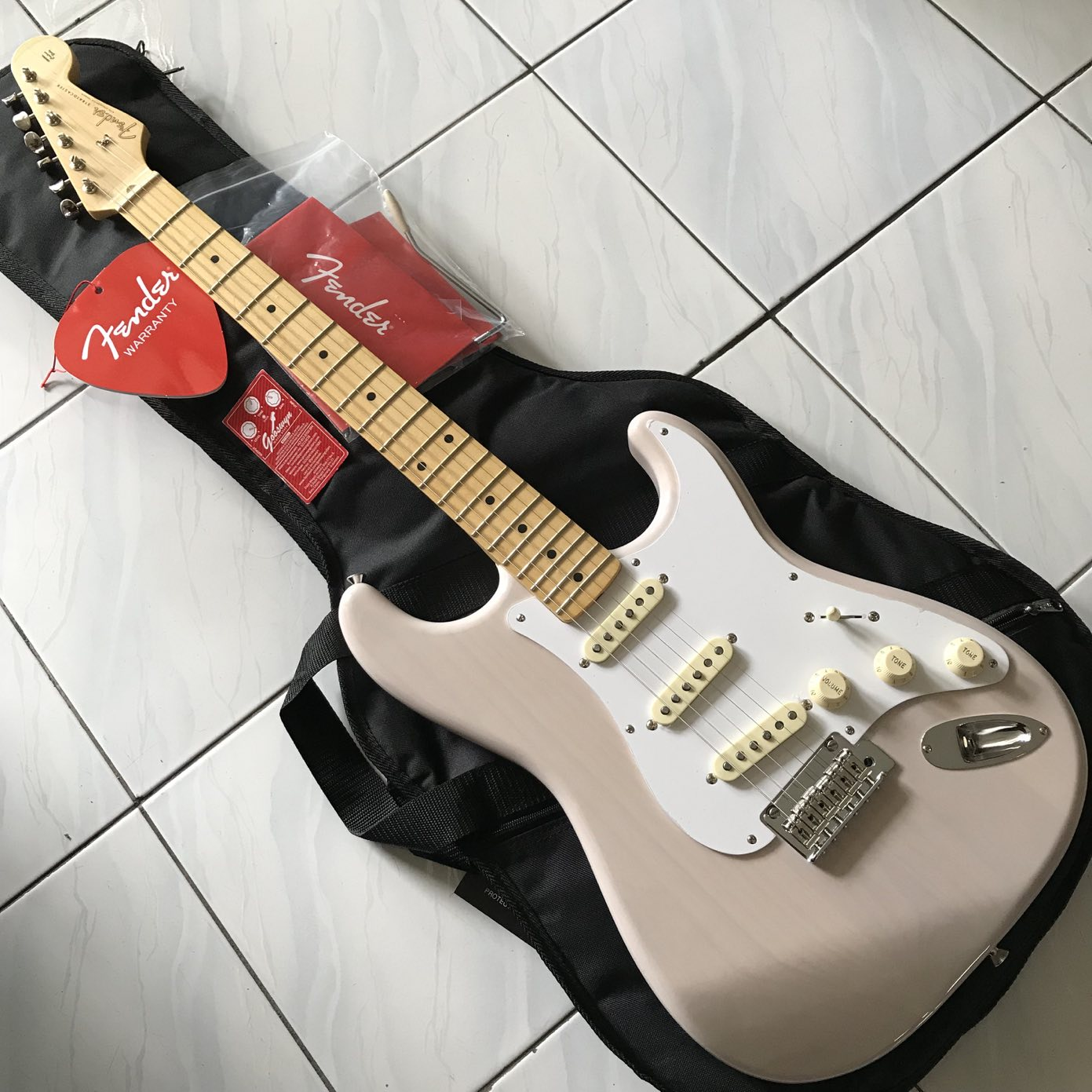 NO STOCK !! ** FENDER JAPAN HYBRID '50S STRATOCASTER US